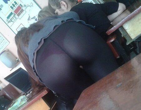 Bundas de novinhas na sala de aula