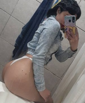 Sofia se exibindo em fotos eróticas